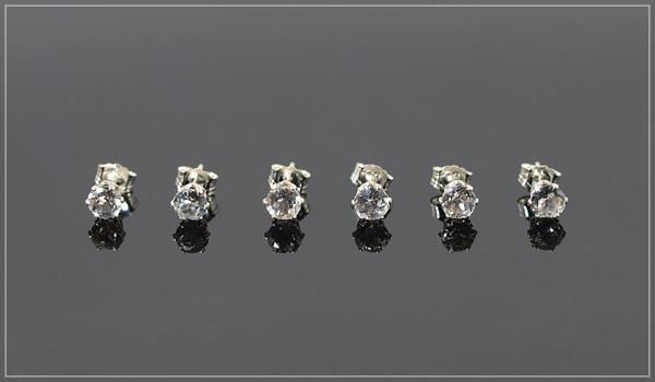 ホワイトトパーズsilver925スタッドピアス