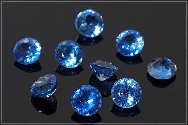 カイヤナイトsilver925ベゼルネックレス