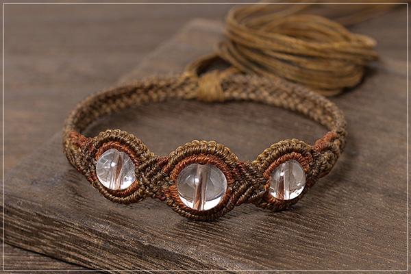 ヒマラヤ産水晶巻き結びマクラメブレスレット