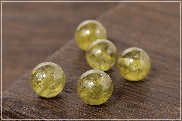 ヒマラヤ産水晶+グリーンガーネット+ライトカラーシトリン+ペリドットつゆマクラメブレスレット