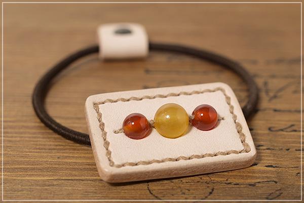 オレンジカルサイト+カーネリアン本革ヘアゴムアクセサリー