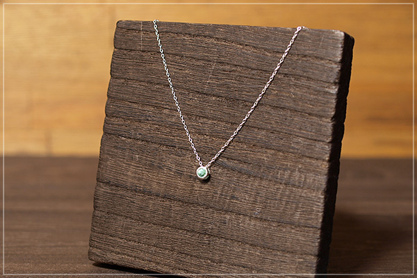 グリーンカイヤナイトsilver925ベゼルプチネックレス