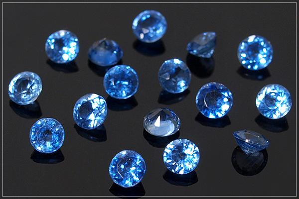 カイヤナイトsilver925スタッドピアス