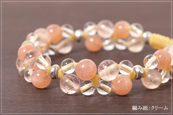 オレンジムーンストーン+モルガナイト+水晶花*花マクラメブレスレット