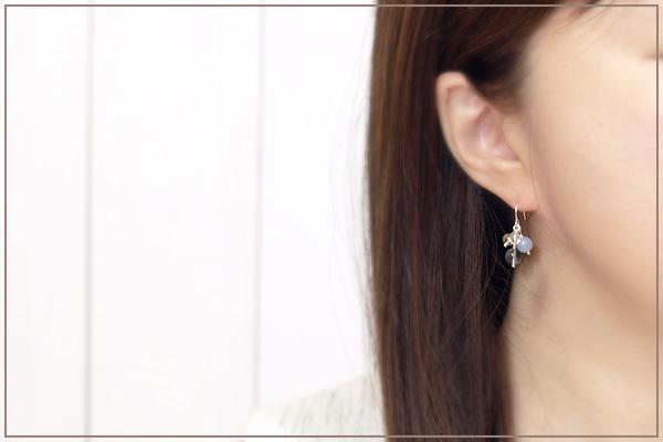 ブルーフローライト+エンジェライト+水晶花*花ピアス・イヤリング